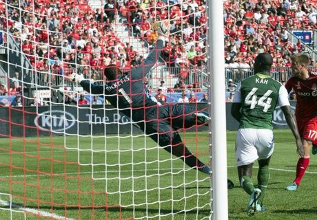 Hagglund helps TFC playoff hopes