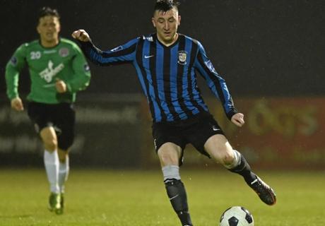 Drogheda sign Thornton and Brennan