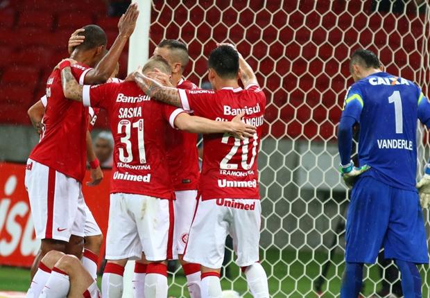 Internacional 4 x 2 Coritiba: Sasha faz dois gols, Colorado vence e tira vantagem do tropeço do líder Cruzeiro