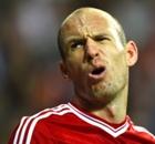 Robben siente que lo castigan