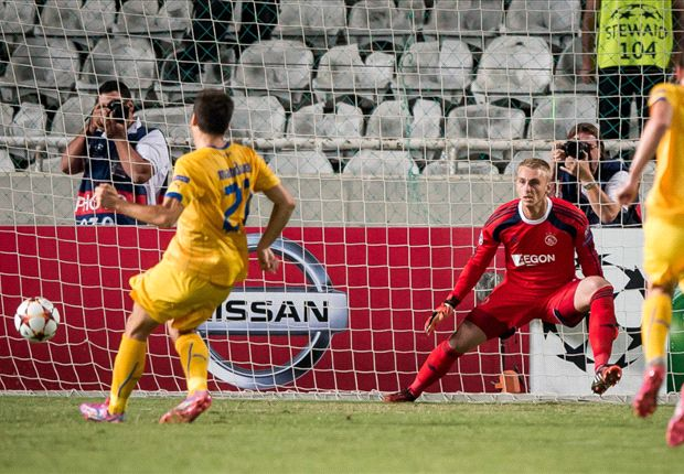 APOEL 1-1 Ajax: Manduca ensures the spoils are shared in Cyprus