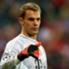 Neuer esbanja confiança com os pés: