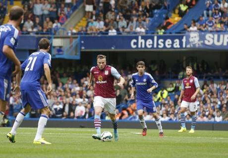 'Villa could sign Cleverley' - Lambert