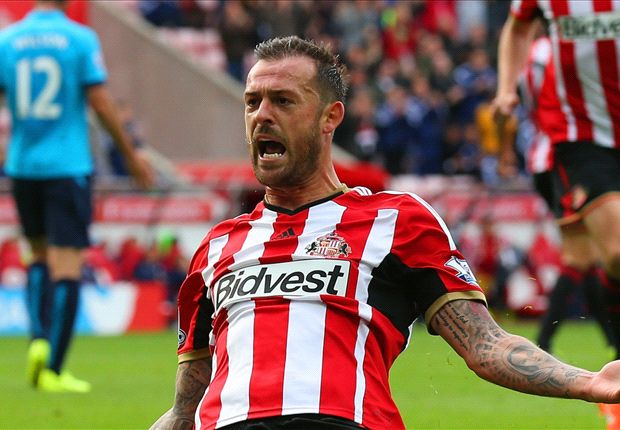 Sunderland 3-1 Stoke City: Fletcher double kickstarts Black Cats' campaign
