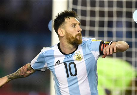 Messi penalty rescues Argentina