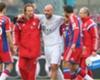 Pepe Reina se lesiona em amistoso do Bayern de Munique