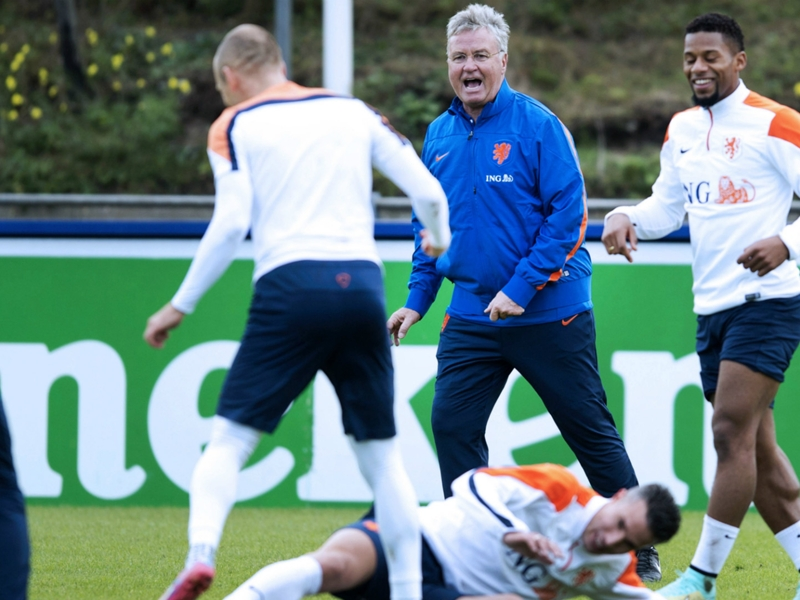 Hiddink urges Netherlands to turn on the style against Kazakhstan