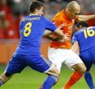Italien und Holland mit Zittersiegen
