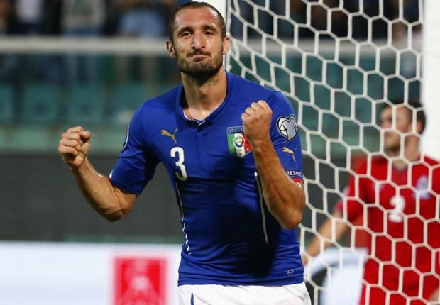Italie 2-1 Azerbaïdjan : Chiellini sauve l'Italie