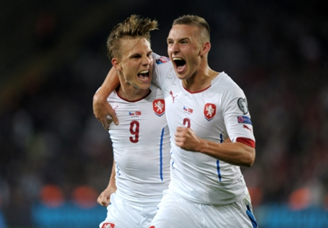 Turkey 1-2 Czech Republic: Host misery
