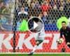 ► Giroud acertó dónde lanzó Silva