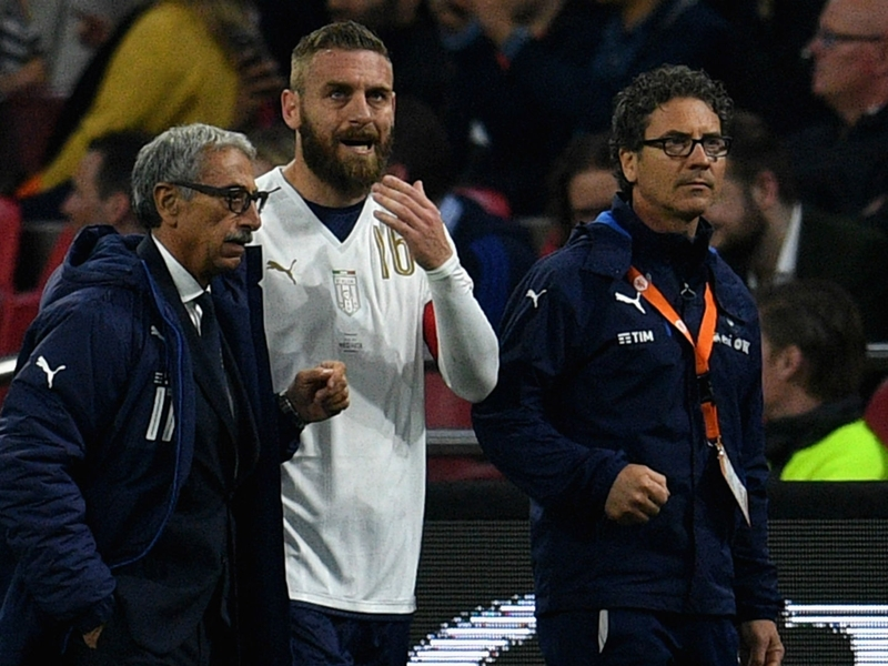 Roma's De Rossi a doubt for Coppa semi-final after injury with Italy