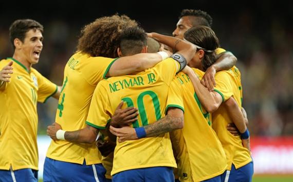 Celebrating Tardelli's goal | Brazil - Argentina | Superclásico de las Américas | 11 10 2014