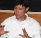 Eduard Tjong Kapok Bereksperimen