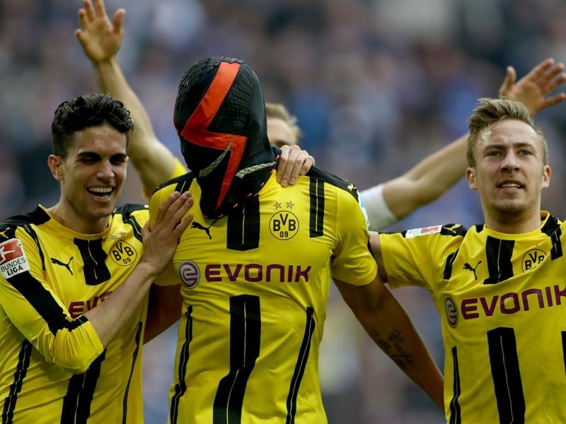 Dortmund star Aubameyang facing Nike mask rap