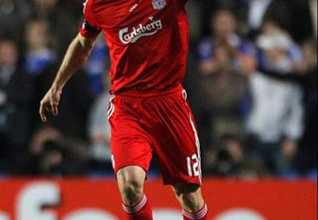 Fabio Aurelio re-signs for Liverpool on two-year contract
