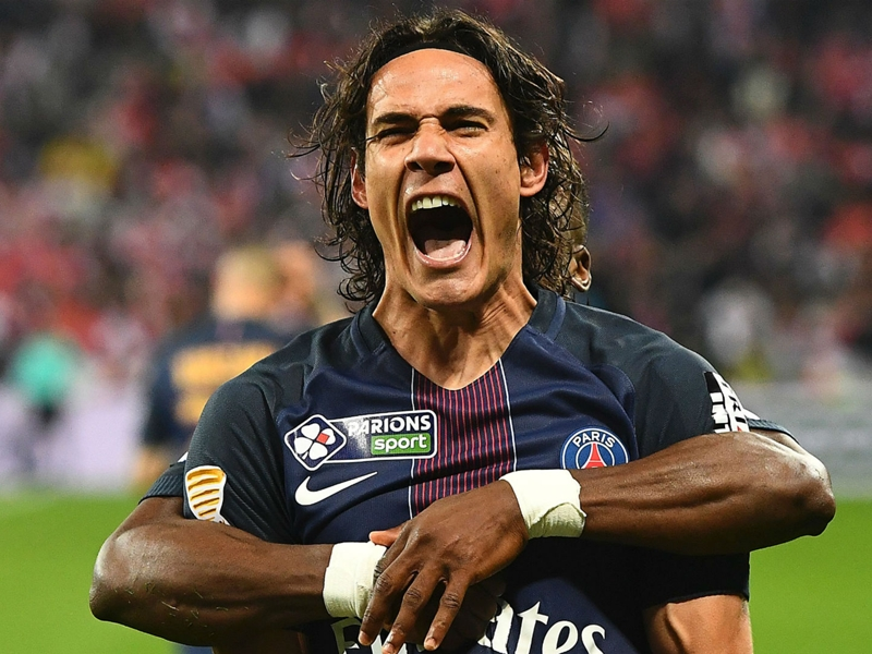 Cavani demands PSG remove holiday punishment and pay new taxes to sign new contract
