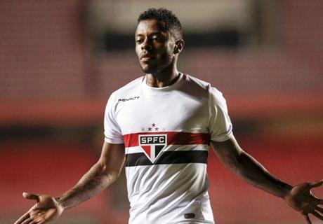 Michel Bastos mira voltar à Seleção