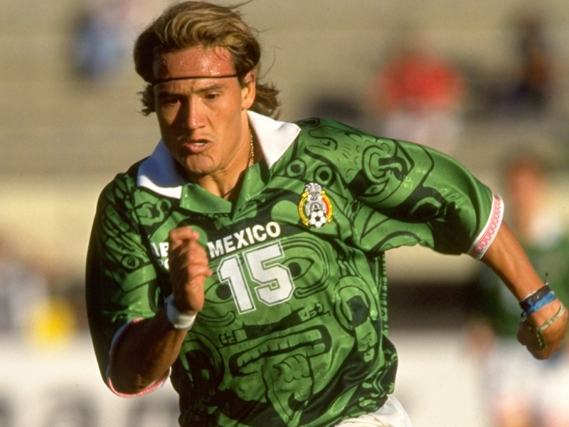 Luis Hernandez slams Osorio's Mexico national team