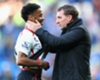 Angleterre, Sterling divise l'opinion