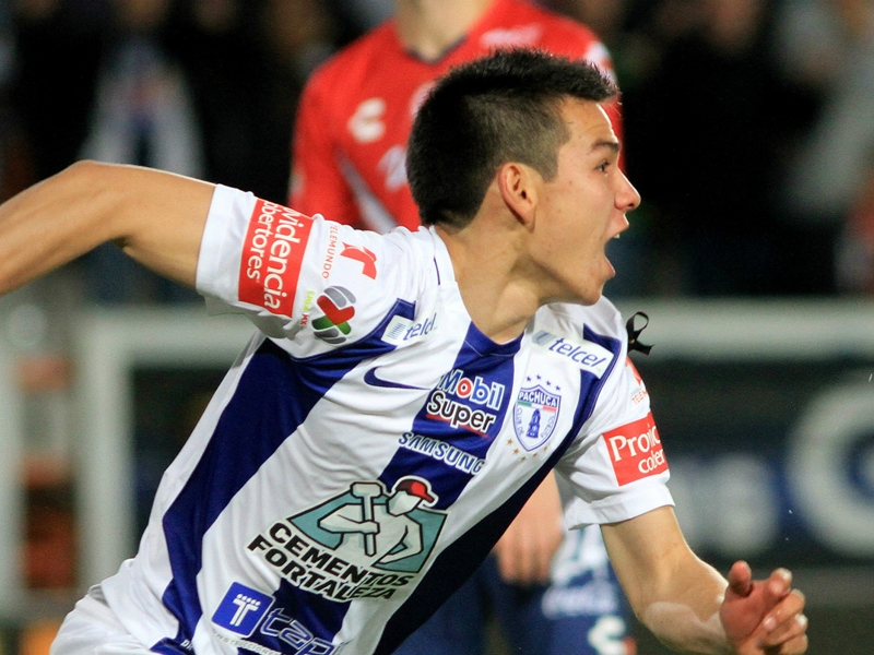 Man Utd still the most appealing option for Mexican striker Lozano