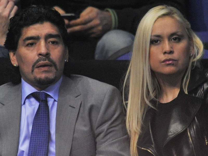 Maradona se paye Dani Alves et Sampaoli