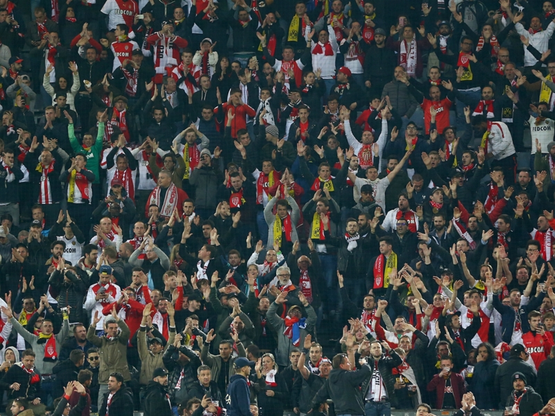 #bedforawayfans - Dortmund fans open their homes to Monaco supporters