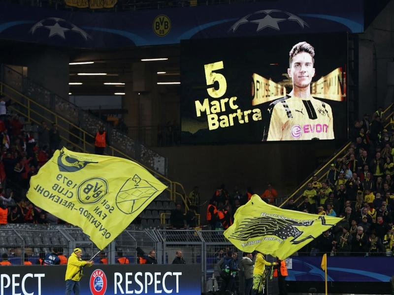VIDÉO - Le superbe hommage des joueurs du Borussia Dortmund à Marc Bartra