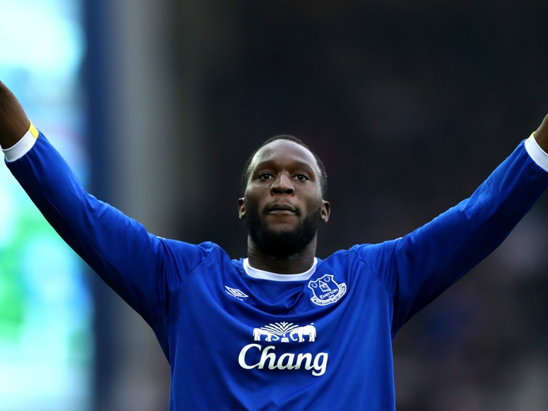 Lukaku brushes aside Chelsea rumours after telling media: Stay out of my business