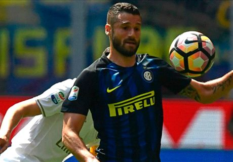 Chelsea in talks for Inter's Candreva