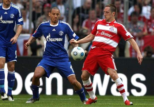 Ribery Sent Off As Schalke Stroll Down South
