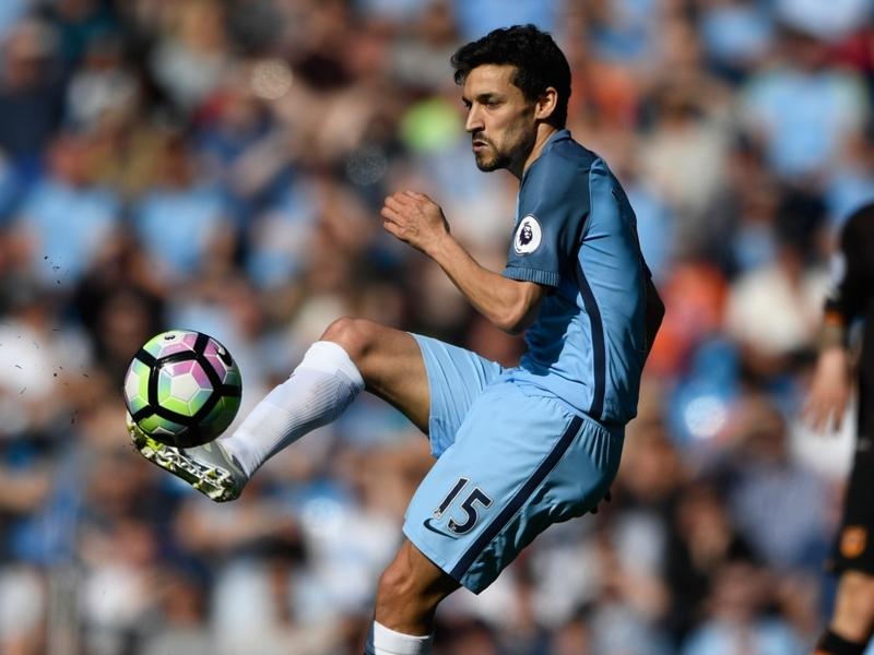 Jesus Navas quitte aussi Manchester City