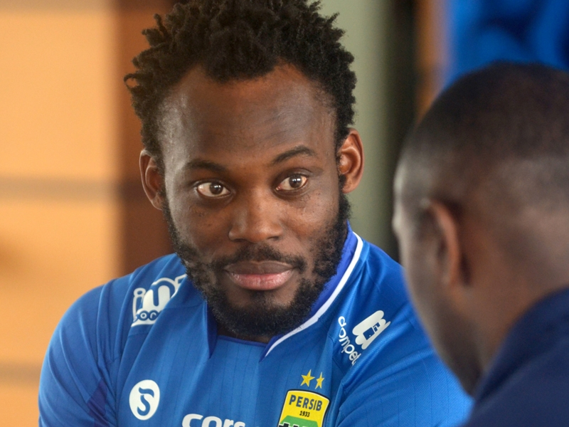Essien & Cole face jail for breaking Indonesian immigration laws
