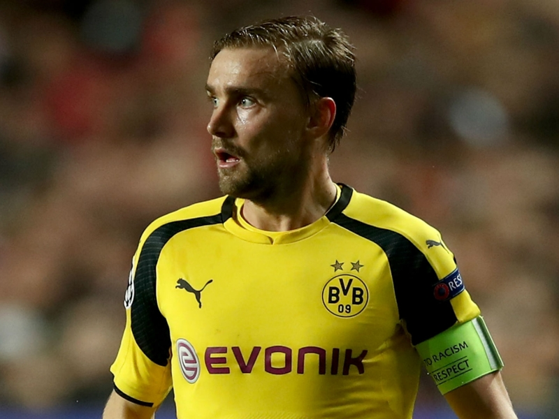 Injured Schmelzer returns to Borussia Dortmund training