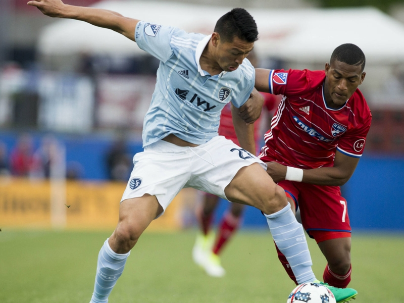 Carlos Gruezo a star for FC Dallas, whether he likes it or not