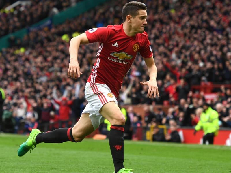 Herrera talks up Manchester derby importance