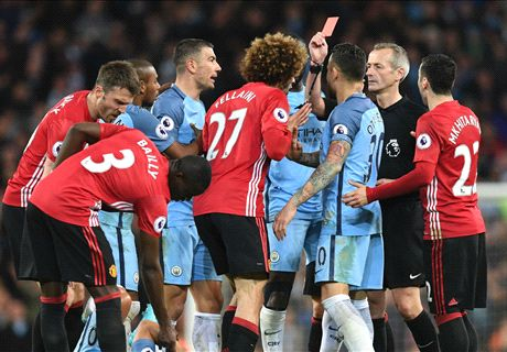 Fellaini sees red in Manchester derby draw
