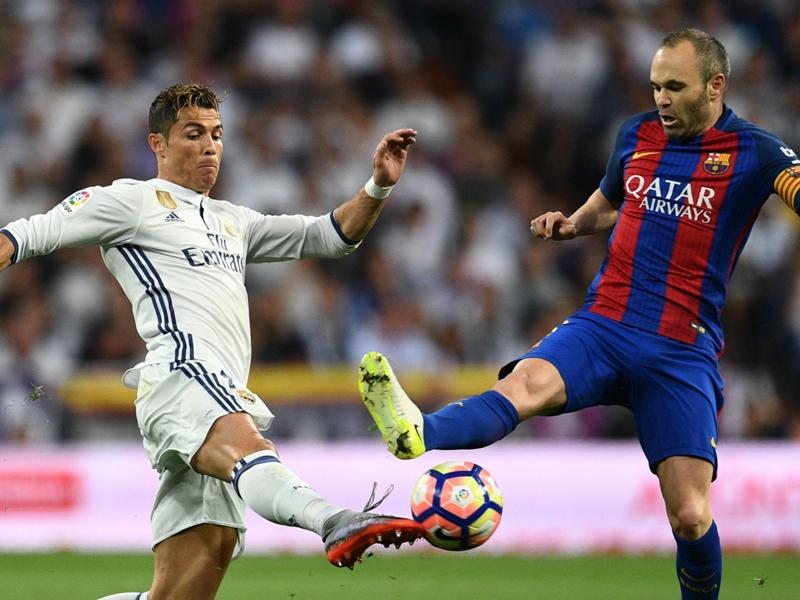 Barcelona captain Iniesta misses training ahead of Catalan derby