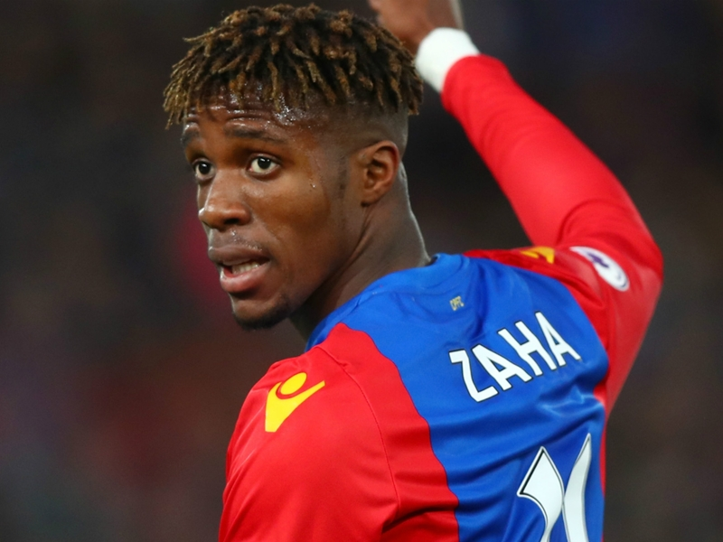 Wilfried Zaha se plaint de messages racistes de la part de supporters de Manchester United et de Liverpool