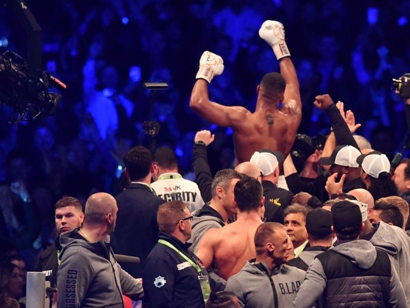 """""""What a fight !"""" Quand le monde du foot réagit à la victoire de Joshua contre Klitschko"""