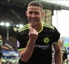 Chelsea closes in on title