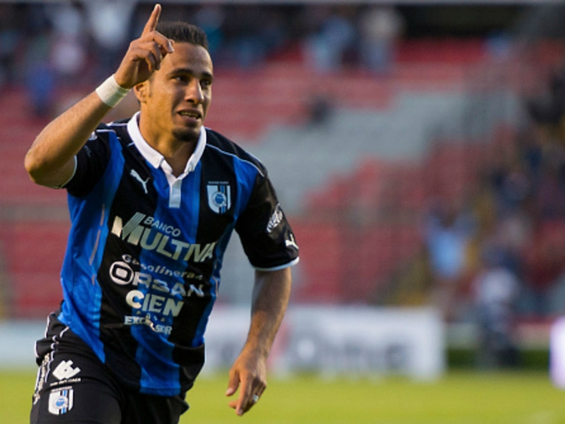 VIDEO: Camilo scores incredible golazo from midfield