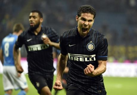 Hernanes denies Napoli in late drama