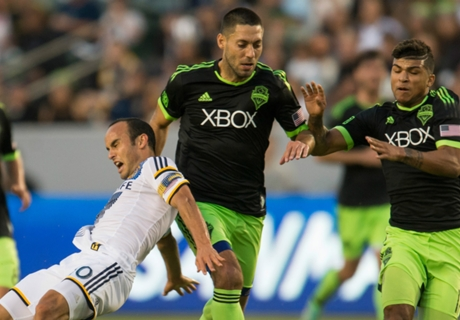 Sounders and Galaxy fight it out