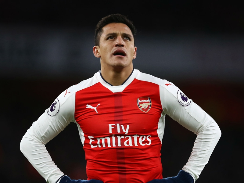 Alexis Sanchez puts Arsenal future talks on hold until the summer