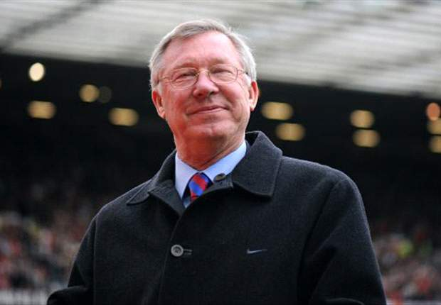 Manchester United manager Sir Alex Ferguson praises senior players