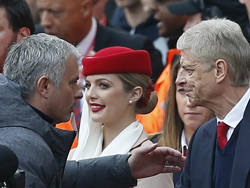 INGLÊS: Arsenal encerra invencibilidade do United e ainda sonha com a Champions