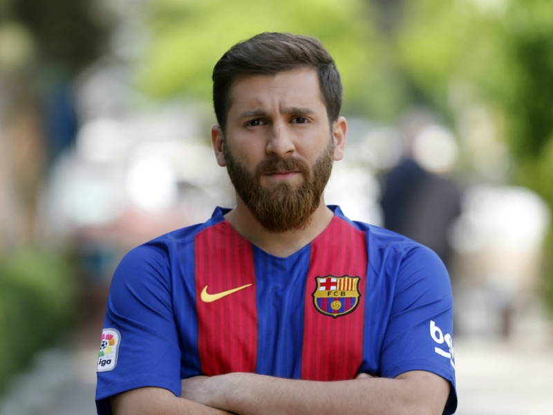 Stunning Messi lookalike causes stir in Iranian city