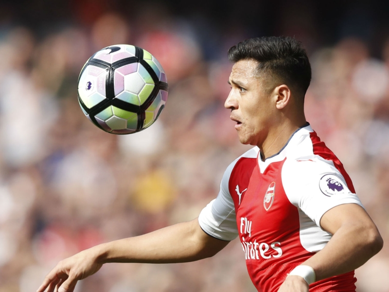 Alexis Sanchez told to leave Arsenal for Man Utd by sprint king Usain Bolt
