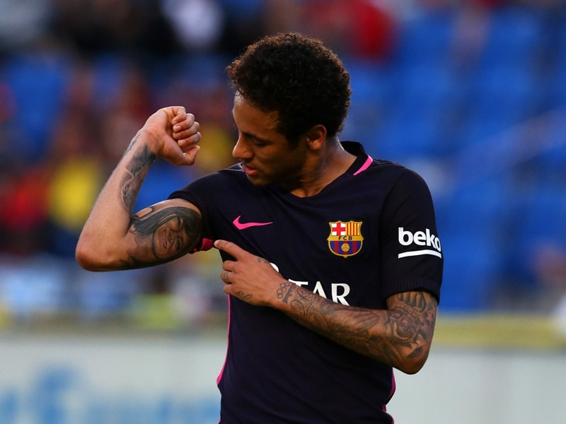 VIDEO: Neymar attempts crazy rooftop goal on Jimmy Kimmel